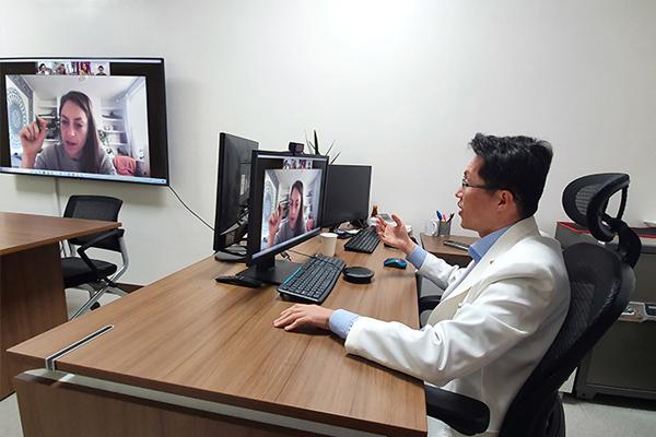 의료정보학과 박래웅 교수, 코로나19 빅데이터 국제 공동연구 관련 BBC와 인터뷰