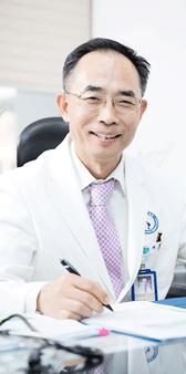 Director of Ajou University Hospital Hee-Seok Yoo
